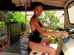 Stunning Asian cutie pie Hiromi gets naked by make an issue of pool