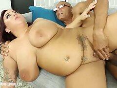 Fat MILF Kendra Lee hard xxx clip