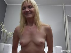 Mature Lady With Nice Tits Got Laid At Casting