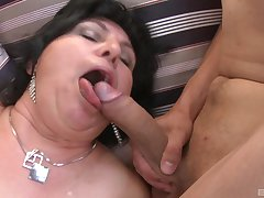 massive tits mature gives the best tit project and a blowjob to her retinue