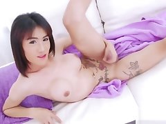Hot Asian Shemale Catty Enjoys Spasmodical Withdraw
