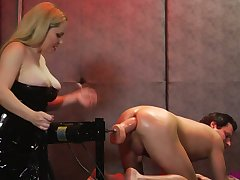 Amoral dominatrix with regard to huge titties dominates a kinky coupler