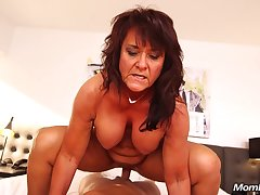 Claresa - Exciting mom Exploring Sexuality