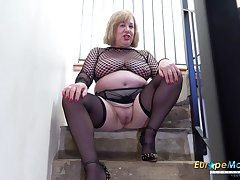 Old BBW cleans up her pee from the stairs monitor masturbating