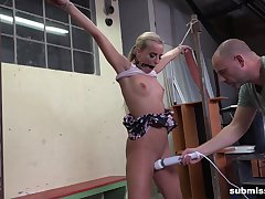 Submissive blonde leaves dramatize expunge master to fulfill even his deepest desires
