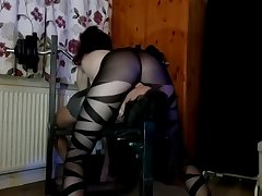 Nylon Facesitting Babe,Faceriding and fullweight Smothering in Chap-fallen tights!