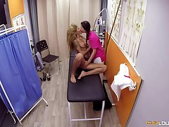 Jade added to Venus Afrodita are having a triad in a close up hospital, with a handsome alloy
