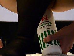 Insertion, eine Flasche reitet, anal