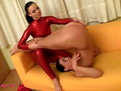 While doing splits lusty amateur lesbians eat wet pussies of each other
